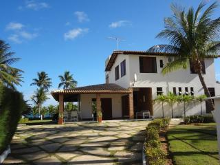 House Guarajuba, North Bahia Coast - Lauro de Freitas vacation rentals