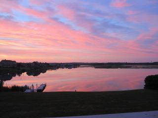 OCEANFRONT ESCAPE-4 Bd, 2 Ba, Sleeps 9 - Narragansett vacation rentals