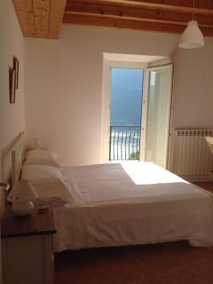 2 bedroom Condo with Internet Access in Nesso - Nesso vacation rentals