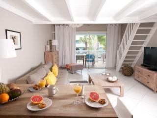 STAY 7 NIGHTS SAVE 1 NIGHT FREE- BEACHFRONT CONDO - Orient Bay vacation rentals
