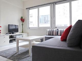 Modern & bright flat in Sheung Wan - Hong Kong vacation rentals
