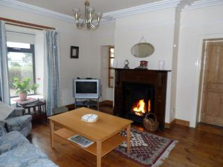 Cozy 3 bedroom House in Warrenpoint with Microwave - Warrenpoint vacation rentals