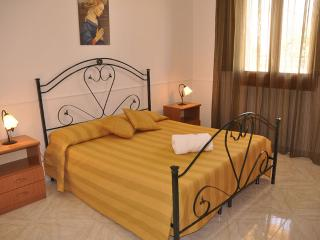 Case Vacanza Loria - Appartamento Comfortevole - Castelluzzo vacation rentals