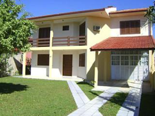 Casas e Apartamentos mobiliados - Ponta do Papagao - Palhoca vacation rentals