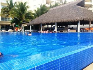 departamento de playa en Acapulco Diamante - Acapulco vacation rentals