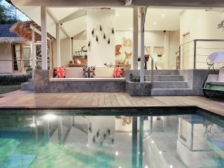 BEST LOCATION! 4BEDROOM! VILLA BU! SLEEPS 10 - Seminyak vacation rentals