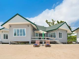 The Moonrakers Beachfront House Koh Samui Thailand - Koh Samui vacation rentals
