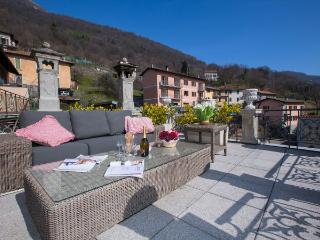 Charming 5 bedroom Villa in Carlazzo - Carlazzo vacation rentals