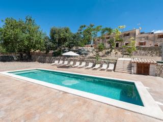 CASES DALCUDIOLA - Property for 10 people in SANTA MARGALIDA - Santa Margalida vacation rentals