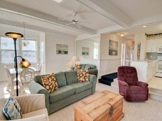 Beautiful 2 bedroom Condo in Emerald Isle - Emerald Isle vacation rentals