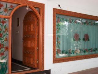 Lloyds Guest House, Krishna Street, T. Nagar - Chennai (Madras) vacation rentals