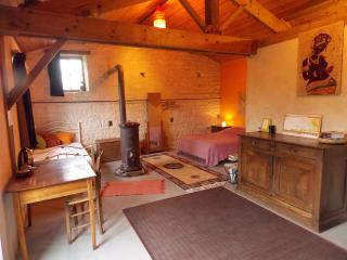 Romantic 1 bedroom Bed and Breakfast in Maillezais - Maillezais vacation rentals