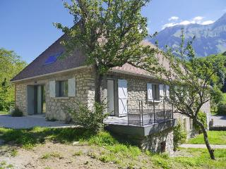 Spacious Gite with Internet Access and Satellite Or Cable TV - Treminis vacation rentals