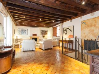 Ground  floor duplex apartment, best old town - Palma de Mallorca vacation rentals