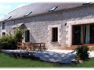 Very charming Burgundy Farmhouse in Countryside - Tonnerre vacation rentals