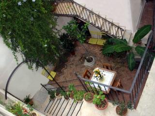 Cielo:  la tua casa al centro di Trapani - Trapani vacation rentals