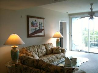 **Sleeps 8! Across the street from beach!** - Fort Myers Beach vacation rentals