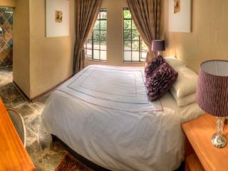 6 bedroom Bed and Breakfast with Internet Access in Johannesburg - Johannesburg vacation rentals