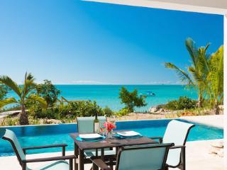 Gorgeous 2 bedroom Sapodilla Bay Villa with Internet Access - Sapodilla Bay vacation rentals