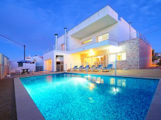 V4 Salvador - Carvoeiro vacation rentals