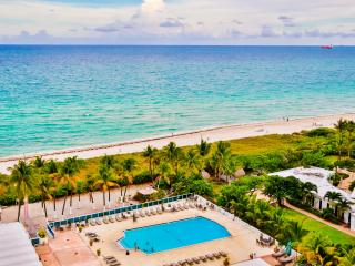 Cozy 2BR/2BA Apartment, Oceanfront building w/pool - Miami Beach vacation rentals