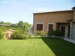 Cozy 3 bedroom Villa in Narbolia with Garden - Narbolia vacation rentals