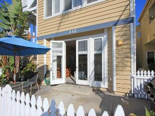 9 Houses to Ocean - Fr $209 - Best 3 bed Peninsula - Newport Beach vacation rentals