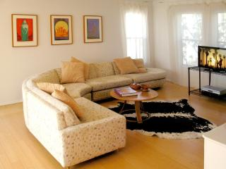 5-Star, THE ART COLONY SUITES, 99 steps 2 the sea - Venice Beach vacation rentals