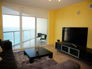 LA PERLA OCEANFRONT 3/3  BDR ON THE 30TH FL - Sunny Isles Beach vacation rentals