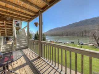 Perfect Condo with Deck and Internet Access - Chattanooga vacation rentals