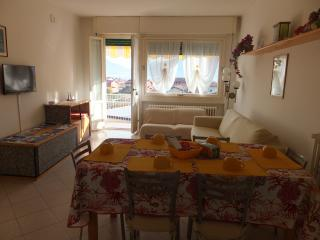 "APPARTAMENTO ""BELLAVISTA"" - Dongo vacation rentals"