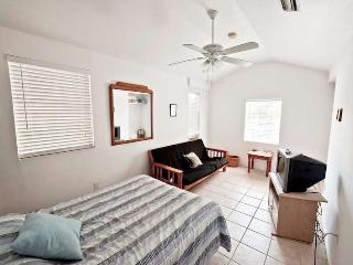 Cozy Resort with Internet Access and A/C - Steinhatchee vacation rentals