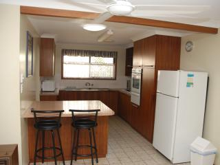 Nice House with Parking Space and Towels Provided - Toowoomba vacation rentals