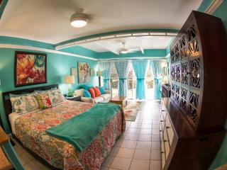 TRACY'S TROPICAL TREASURE #3: Studio (sleeps 4)! - Kihei vacation rentals