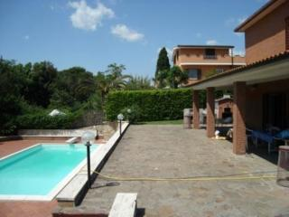 Comfortable 4 bedroom Villa in Ardea - Ardea vacation rentals