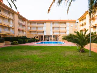 Luxurious coastal apartment for 6 guests only a few steps from the beaches of the Costa Dorada! - Costa Dorada vacation rentals