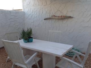 cubo bianco a 50 metri dal mare - Es Pujols vacation rentals