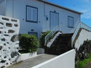 Cozy 3 bedroom Townhouse in Faja Grande - Faja Grande vacation rentals
