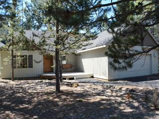 Close to Woodlands Golf Course, 8 Unlimited SHARC Passes, Bikes, A/C, - Central Oregon vacation rentals