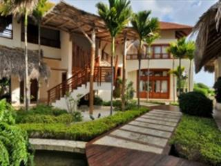 Exclusive and beautiful blend of luxury and golf, Villa las palmas 133 - Sosua vacation rentals