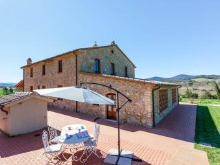 Cozy 2 bedroom Montecatini Val di Cecina House with Internet Access - Montecatini Val di Cecina vacation rentals