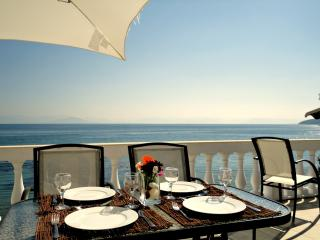 Nice 3 bedroom Messonghi Apartment with Internet Access - Messonghi vacation rentals