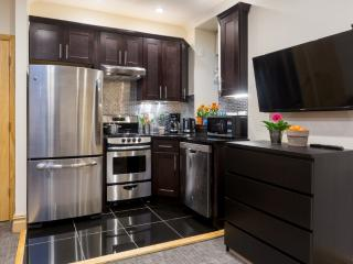 *WILLOW*  Amazing 2 Bedroom in Washington Heights - New York City vacation rentals