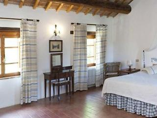 Comfortable House with Dishwasher and Short Breaks Allowed - Castel del Piano vacation rentals