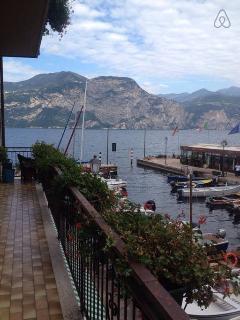 Romantic 1 bedroom Magugnano Apartment with Internet Access - Magugnano vacation rentals