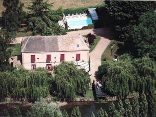 Normandy large family house 45 mn from Paris - Pacy-sur-Eure vacation rentals