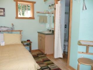 Women's Retreat~Sauna & Steam Room - Port Orford vacation rentals