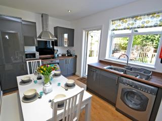 Memories - Self Catering Holiday let for 6 - Felpham vacation rentals