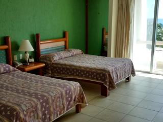 Perfect Condo with Internet Access and Shared Outdoor Pool - Cancun vacation rentals