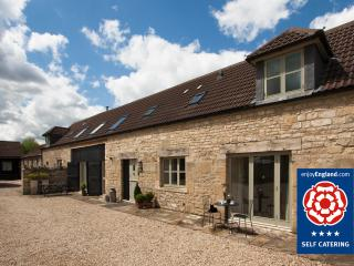 Hay Barn Cottage - Just 2 miles to Bath - Bathampton vacation rentals